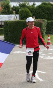Guy avec le drapeau francais